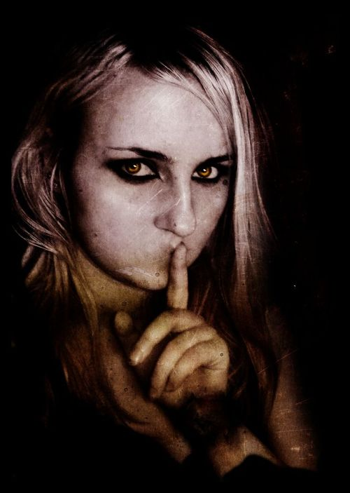 Twilight__Rosalie__Untold_by_stabmetilicumb